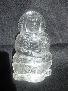 ヒマラヤ水晶で出来た仏像