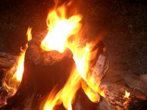 神聖な焚き火「ドゥニ」